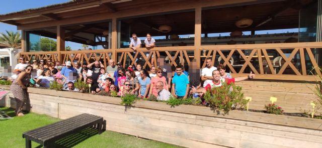 Usuarios del Centro de Día de Personas con Discapacidad Intelectual disfrutan de una invitación en el restaurante ´Deskaro´, Foto 3