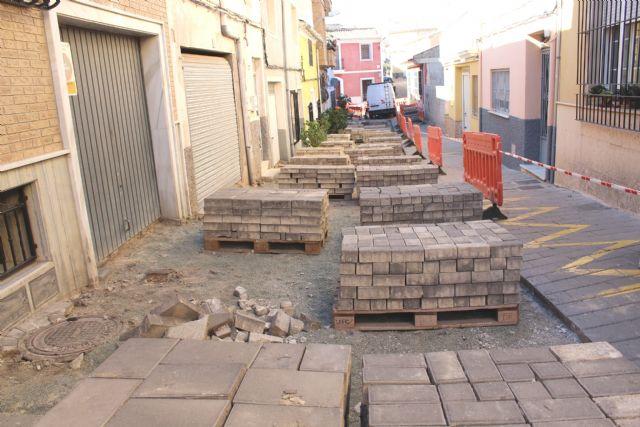 Las obras de renovaci�n del tramo de red de saneamiento y abastecimiento de la calle San Ram�n se prolongar�n durante los pr�ximos dos meses, Foto 3