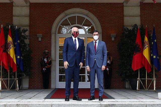 Pedro Sánchez traslada a Edi Rama el apoyo de España a la adhesión de Albania a la UE - 2, Foto 2