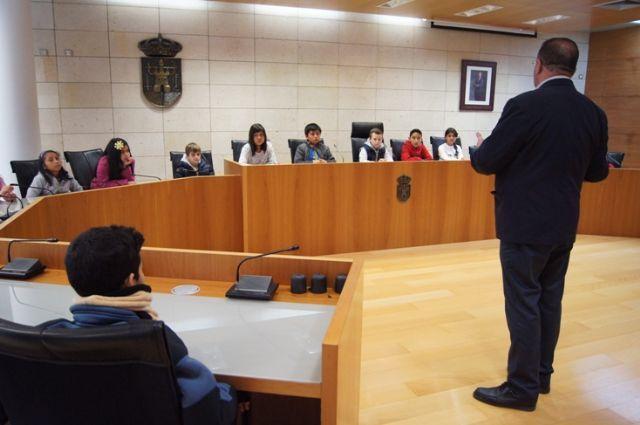 Las Concejal�as de Educaci�n y Juventud desarrollar�n el proyecto Pleno infantil: La Totana que queremos, Foto 1