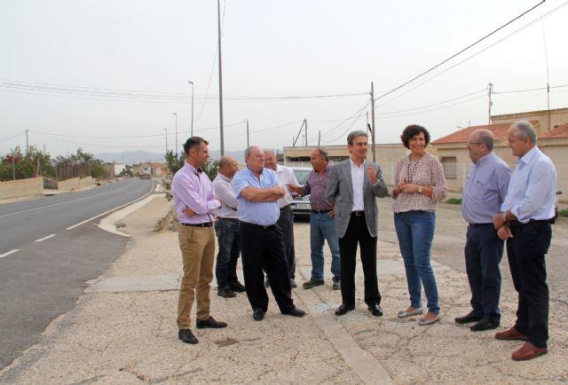 Fomento realiza actuaciones de limpieza en las cunetas de las carreteras de Puerto Lumbreras - 1, Foto 1