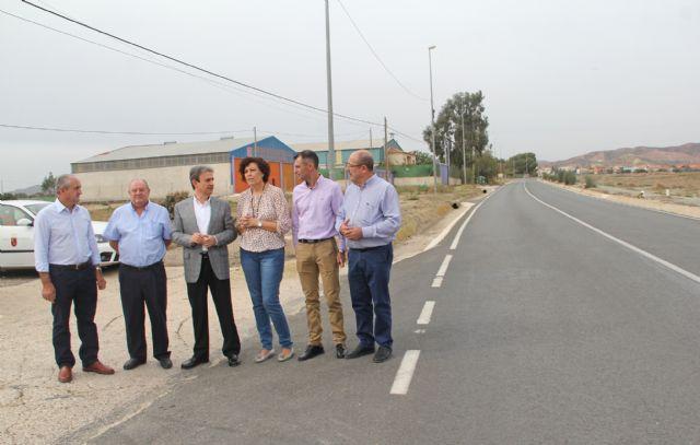 Fomento realiza actuaciones de limpieza en las cunetas de las carreteras de Puerto Lumbreras - 2, Foto 2