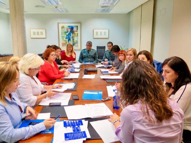 El ayuntamiento extiende a los comercios la campaña de sensibilización contra la violencia de género - 1, Foto 1