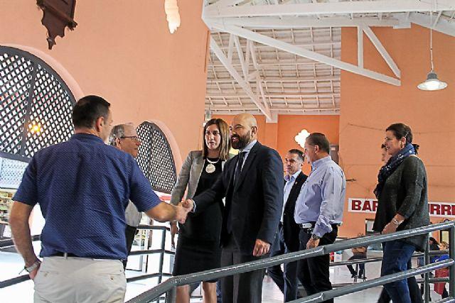 El Secretario de Estado de Comercio y la Alcaldesa reinauguran el Mercado Municipal de Abastos tras su reciente e importante remodelación - 2, Foto 2