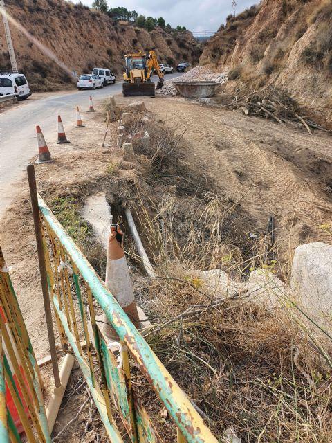 Fomento acondiciona el camino de servicio que cruza el río Pliego en el municipio de Mula - 2, Foto 2