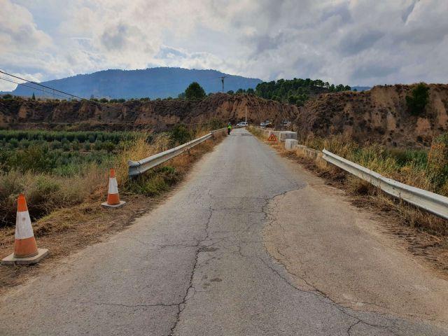 Fomento acondiciona el camino de servicio que cruza el río Pliego en el municipio de Mula - 3, Foto 3