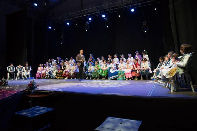 Más de 40 niños participan en la gala infantil de las fiestas patronales, Foto 1