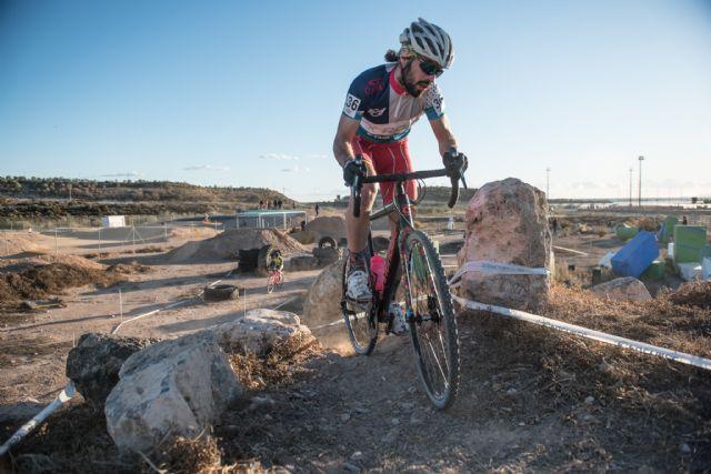 El ciclocross regional hace parada en Mazarrón, Foto 1