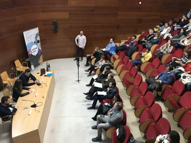 El Servicio del Informajoven celebra su XXXV aniversario con la conferencia del Catedrático de Sociología Jorge Benedicto - 2, Foto 2