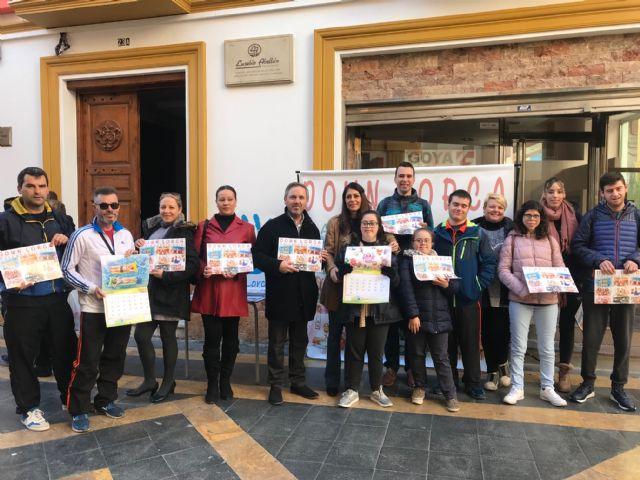 La Asociación Down Lorca pone a la venta más de 3.000 calendarios solidarios - 1, Foto 1