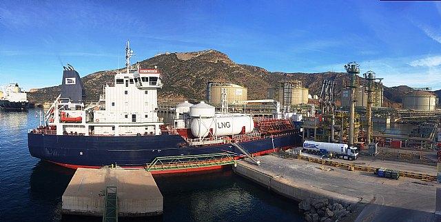 Repsol alcanza un nuevo hito en el suministro de GNL como combustible en el Puerto de Cartagena - 1, Foto 1