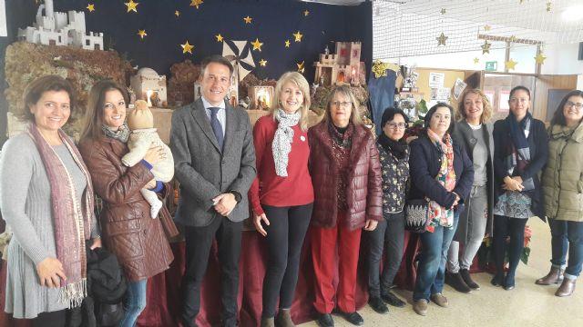 El Alcalde anima a los lorquinos a proteger y difundir la tradición de los Belenes en todos los espacios públicos - 1, Foto 1