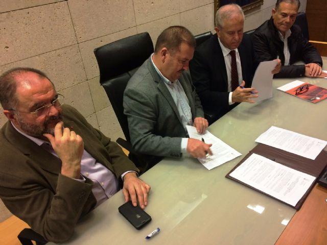El Ayuntamiento de Totana y Soltec Energías Renovables, SL suscriben un convenio de colaboración para dar empleo a personas con discapacidad intelectual de ambos centros de día, Foto 3