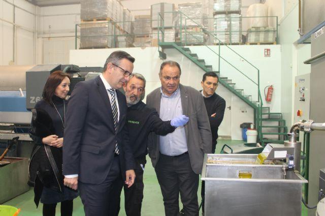 Visita del Delegado del Gobierno a la Cooperativa Frusemur - 2, Foto 2