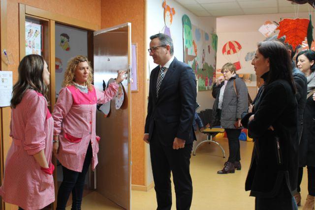El Delegado del Gobierno en Murcia visita el Centro de Atención a la Infancia - 1, Foto 1