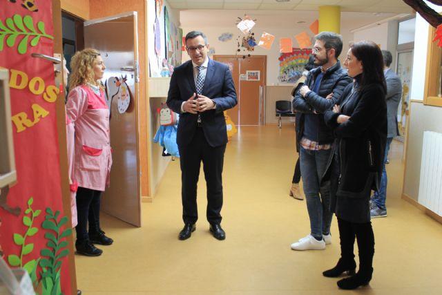 El Delegado del Gobierno en Murcia visita el Centro de Atención a la Infancia - 2, Foto 2