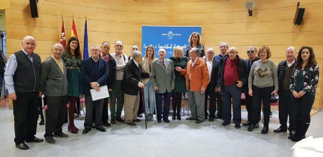 La rondalla del Centro Social de Mayores Murcia I inaugura la temporada navideña en la Consejería de Familia e Igualdad de Oportunidades - 1, Foto 1