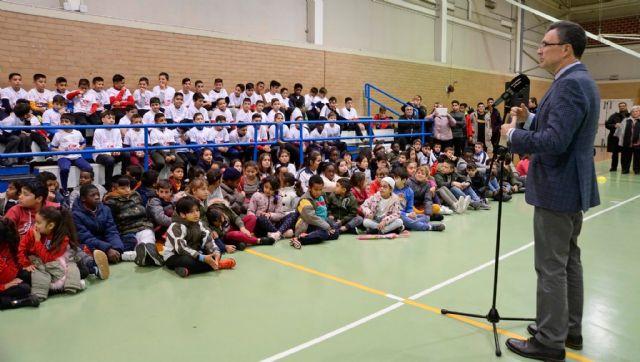 La nueva Escuela de Fútbol Sala ElPozo abre sus puertas en el barrio de La Paz con un centenar de jóvenes y niños en sus filas - 1, Foto 1