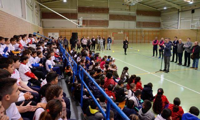 La nueva Escuela de Fútbol Sala ElPozo abre sus puertas en el barrio de La Paz con un centenar de jóvenes y niños en sus filas - 2, Foto 2