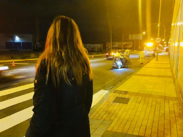 La carretera de Alcantarilla y la de Alicante estrenan una nueva pintura vial reflectante - 2, Foto 2