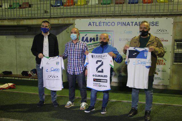 El Atlético Pinatarense dona las camisetas de sus temporadas a la Campaña de Recuperación de la Memoria Histórico Deportiva de San Pedro Pinatar - 1, Foto 1