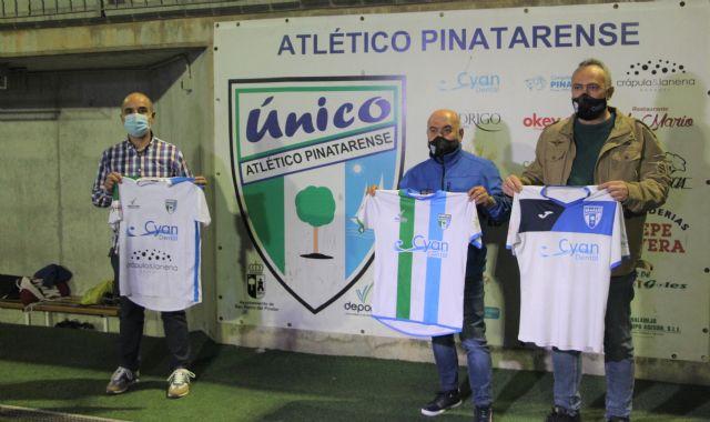 El Atlético Pinatarense dona las camisetas de sus temporadas a la Campaña de Recuperación de la Memoria Histórico Deportiva de San Pedro Pinatar - 2, Foto 2