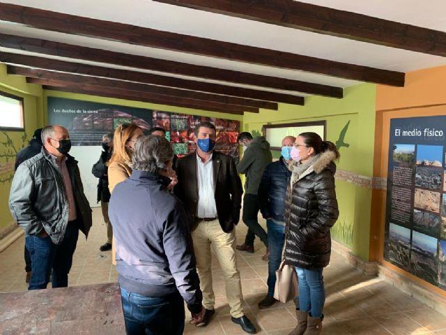 La Comunidad invierte 42.000 euros para adecuar el punto de información del área recreativa ´Fuente la Higuera´ en Fortuna - 1, Foto 1