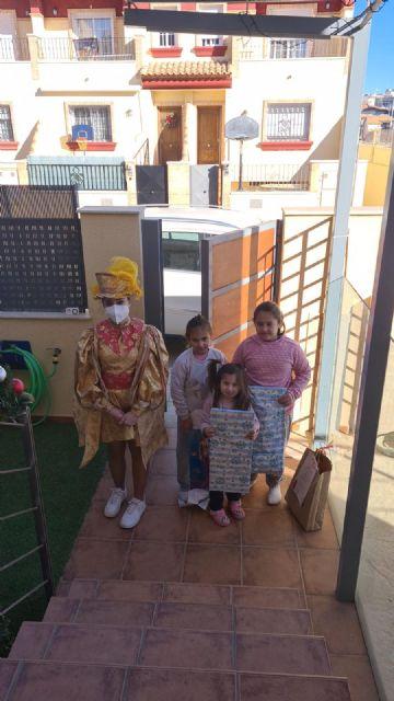 Los Pajes Reales reparten ilusión a casi un millar de niños pinatarenses - 3, Foto 3