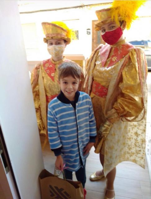 Los Pajes Reales reparten ilusión a casi un millar de niños pinatarenses - 5, Foto 5