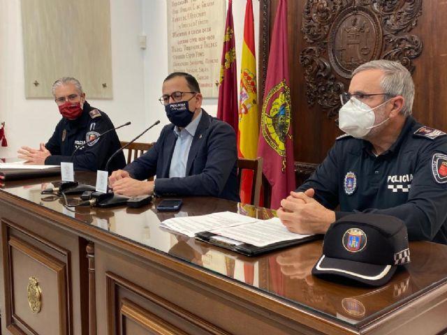 El Ayuntamiento de Lorca llevará a cabo, a través de Policía Local, una campaña informativa sobre el uso de patinetes eléctricos tras la entrada en vigor de nuevas reglas de circulación - 1, Foto 1