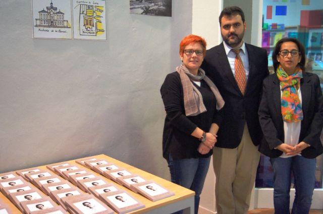 El profesor Juan Antonio Fernández ofrece una conferencia y presenta el libro Antología literaria de Antonio Para Vico, Foto 4