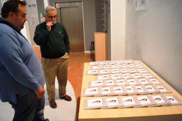El profesor Juan Antonio Fernández ofrece una conferencia y presenta el libro Antología literaria de Antonio Para Vico, Foto 6