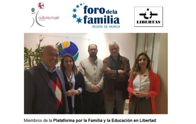 """Plataforma por la Familia y la Educación en Libertad : """"Los partidos políticos no pueden seguir engañando por más tiempo a las familias murcianas - 1, Foto 1"""