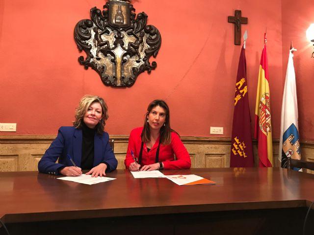 La Alcaldesa y la edil de Ciudadanos firman un acuerdo para aprobar el Presupuesto Municipal - 1, Foto 1