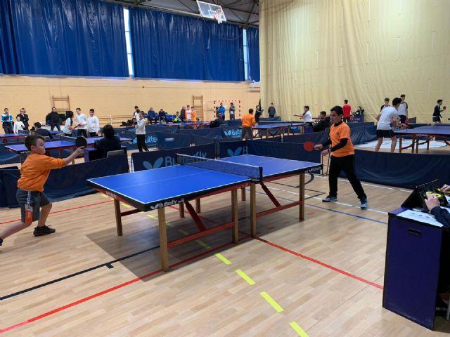 Los colegios La Milagrosa y Santiago participaron en la Jornada Regional Zona Sur de Tenis de Mesa de Deporte Escolar, celebrada en Los Narejos, Foto 1