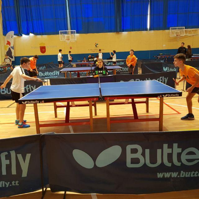 Los colegios La Milagrosa y Santiago participaron en la Jornada Regional Zona Sur de Tenis de Mesa de Deporte Escolar, celebrada en Los Narejos, Foto 4