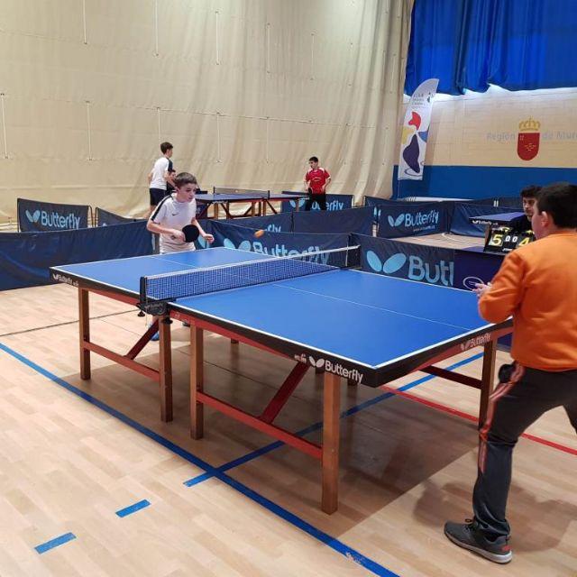 Los colegios La Milagrosa y Santiago participaron en la Jornada Regional Zona Sur de Tenis de Mesa de Deporte Escolar, celebrada en Los Narejos, Foto 7