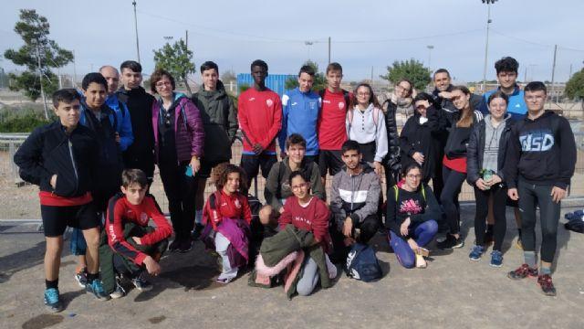 Veinti�n escolares totaneros participaron en la Final Regional de Campo a Trav�s de Deporte Escolar, en las categor�as infantil, cadete y juvenil, Foto 1
