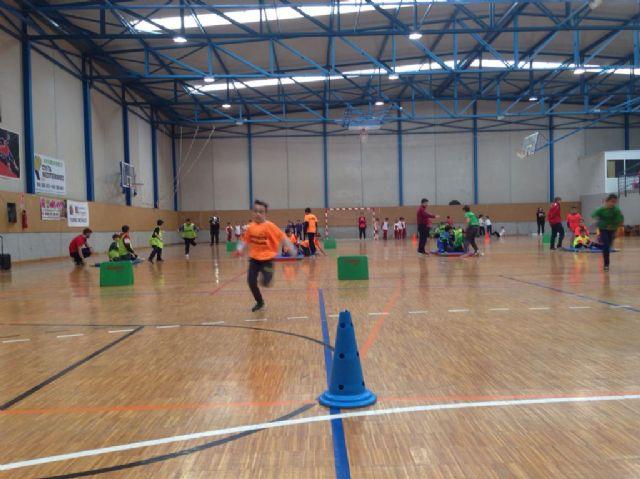 11 centros educativos y más de 150 escolares participaron en Jugando al Atletismo benjamín, en Roldán - 1, Foto 1