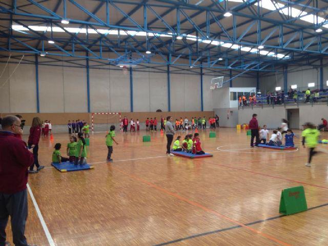 11 centros educativos y más de 150 escolares participaron en Jugando al Atletismo benjamín, en Roldán - 2, Foto 2