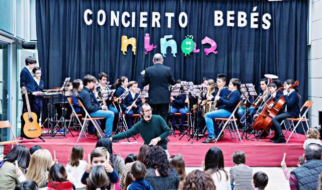 La banda-escuela inicia la temporada 2017 de conciertos de la Asoc. Musical 'Maestro Eugenio Calderón' - 1, Foto 1