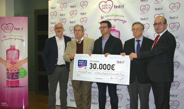La empresa de agua mineral natural AQUADEUS dona 30.000 euros a la Federaci�n Española de Enfermedades Raras para proyectos de investigaci�n, Foto 2