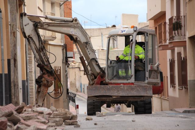 Comienzan las obras de plataforma única en la calle Parricas y renovación de redes de agua y saneamiento en la avenida España, Foto 5
