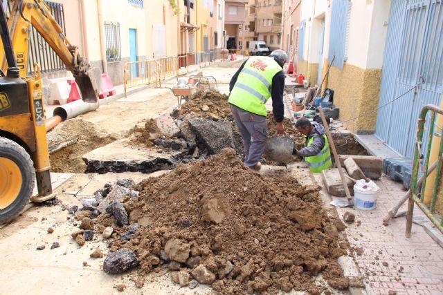 Comienzan las obras de plataforma única en la calle Parricas y renovación de redes de agua y saneamiento en la avenida España, Foto 7