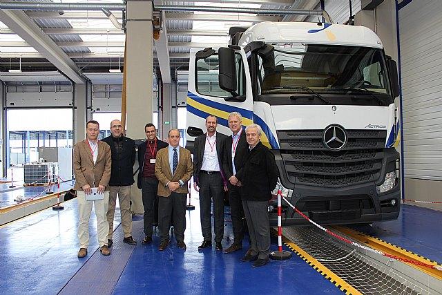 Mercedes visita sus talleres especializados en la sede de Primafrio, Foto 1