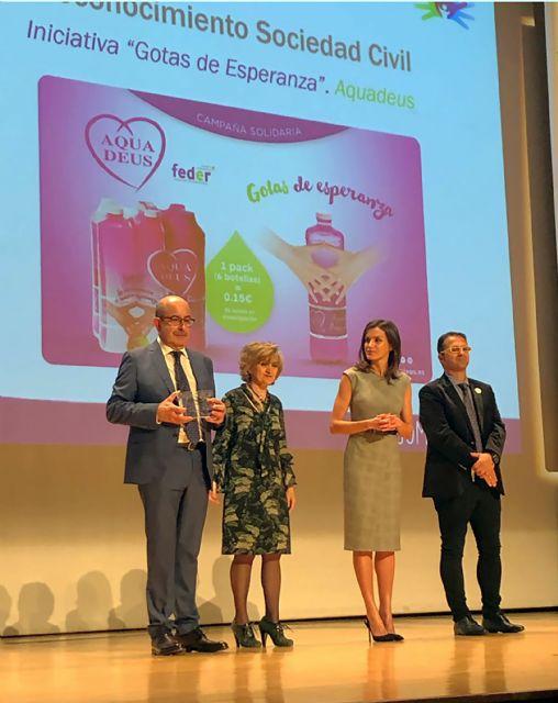 Aquadeus recibe el Reconocimiento FEDER 2019 a la Sociedad Civil de manos de la Reina Letizia, Foto 1