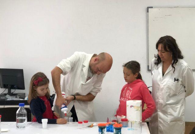 Los niños de Campos del Río aprenden divirtiéndose 'Jugando con la química' - 1, Foto 1