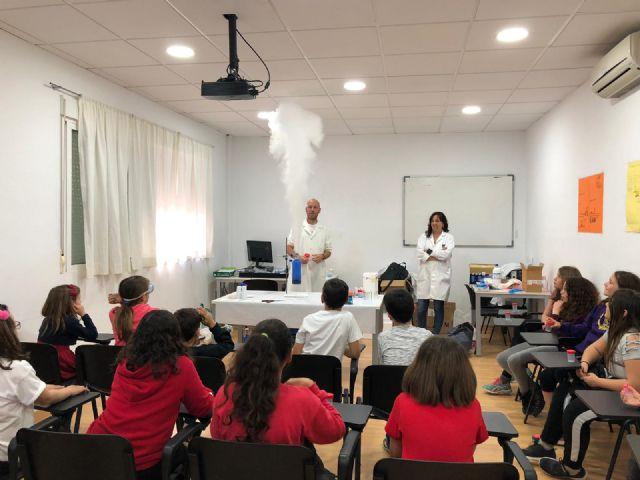 Los niños de Campos del Río aprenden divirtiéndose 'Jugando con la química' - 2, Foto 2