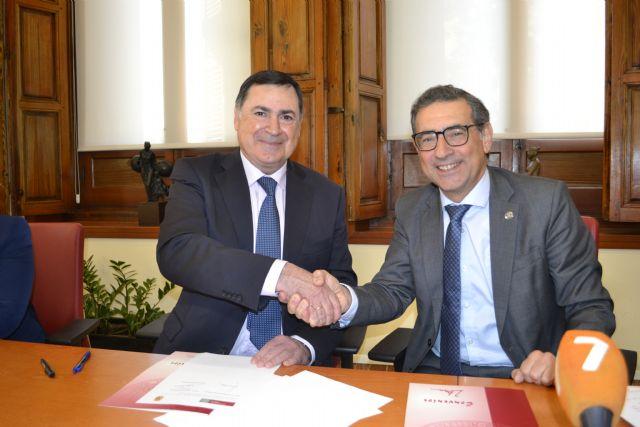 La Universidad de Murcia y el Ayuntamiento de Librilla firman un convenio para crear una sede permanente en el municipio - 1, Foto 1