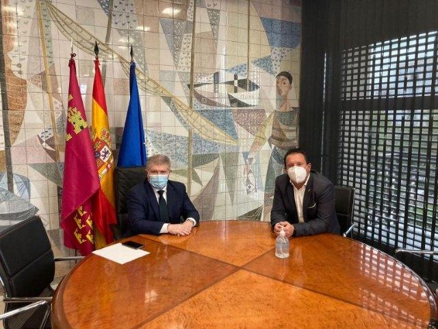 Juan Jesús Moreno se reúne con el Delegado del Gobierno en la Región para establecer actuaciones tras el anuncio de expropiación forzosa del castillo de Mula - 1, Foto 1